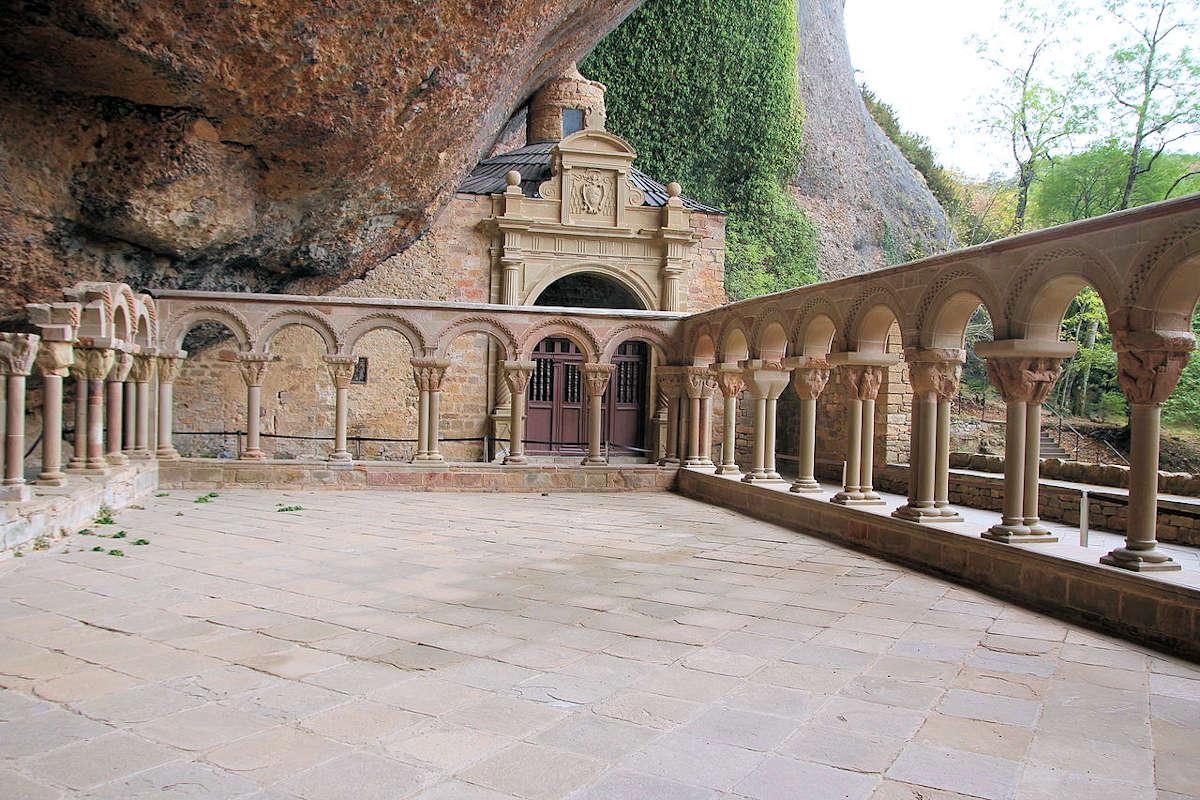 Monasterio-de-San-Juan-de-la- Peña-Jaca-Huesca
