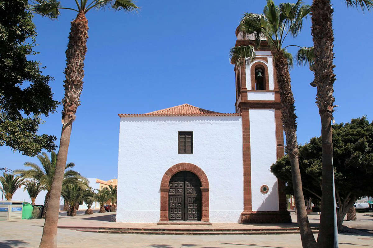 Iglesia-de-Nuestra-Señora-de-la-Antigue-Fuerteventura