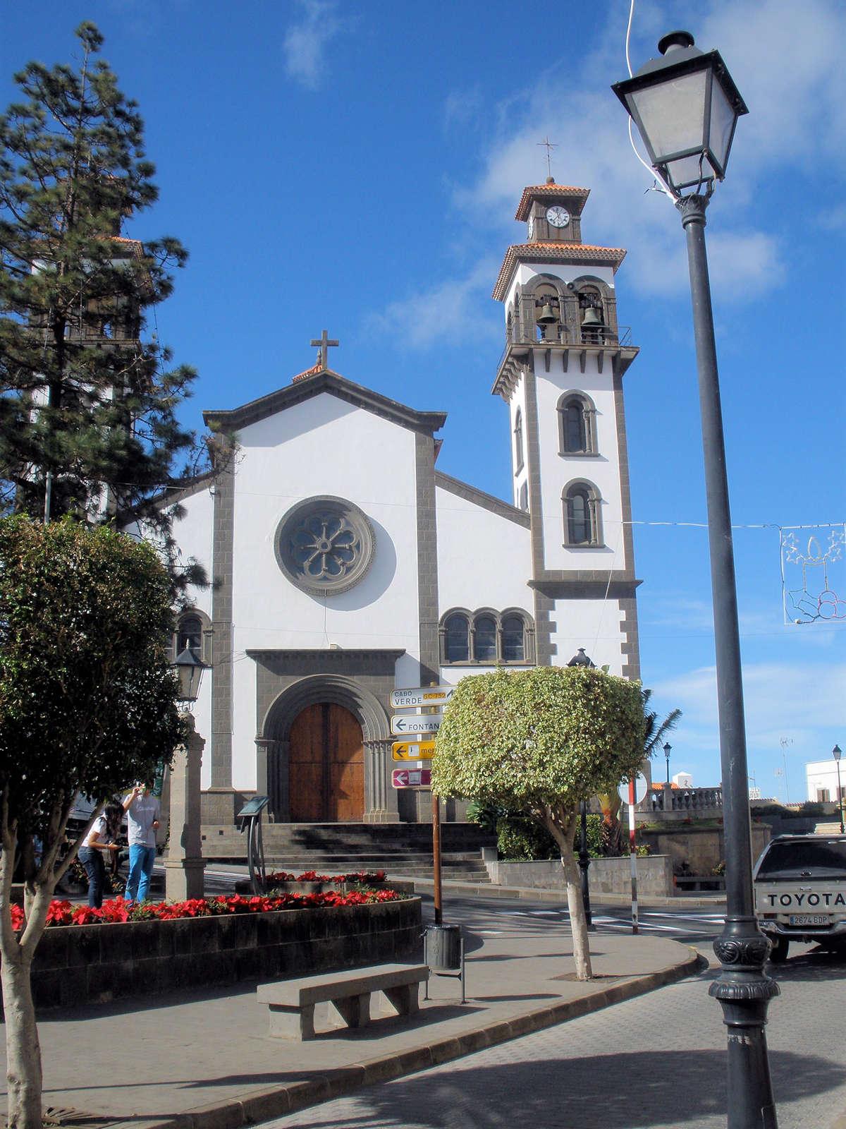 iglesia-de-nuestra-señora-de-la-calendaria-en -moya-gran-canaria