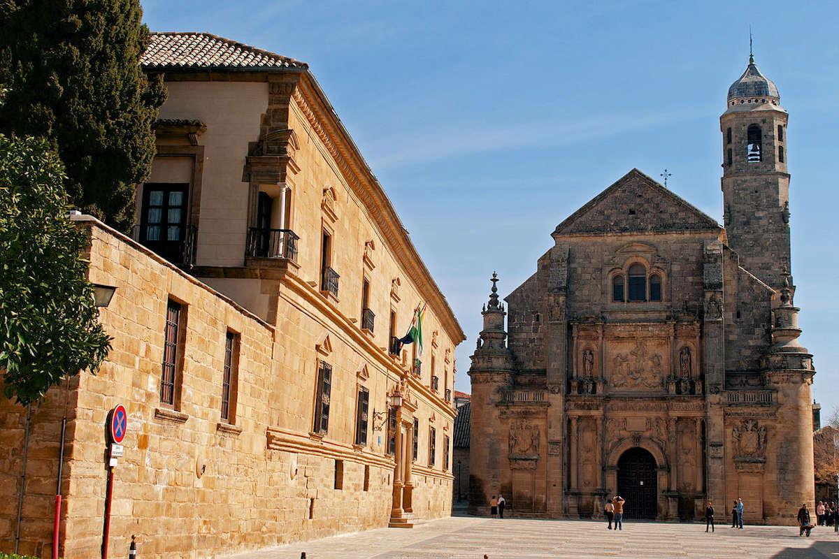 plaza-Vásquez-de-Molina-en-Úbeda-Jaén