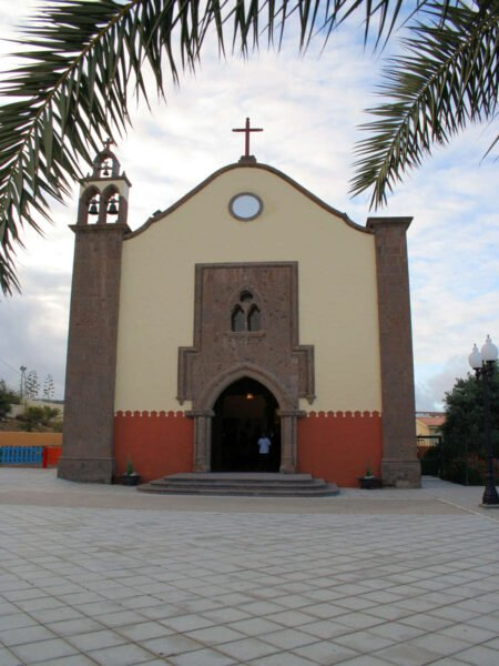 Iglesia del barrio de Tara