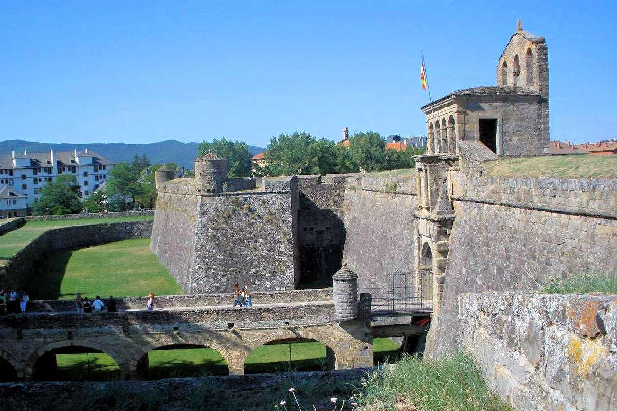 JACA-Pueblo de Huesca