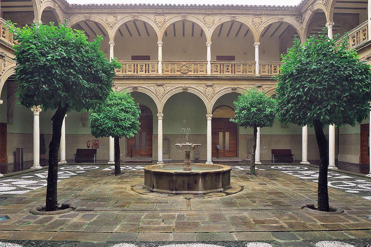 palacio-de-jabalquinto-baeza-jaen