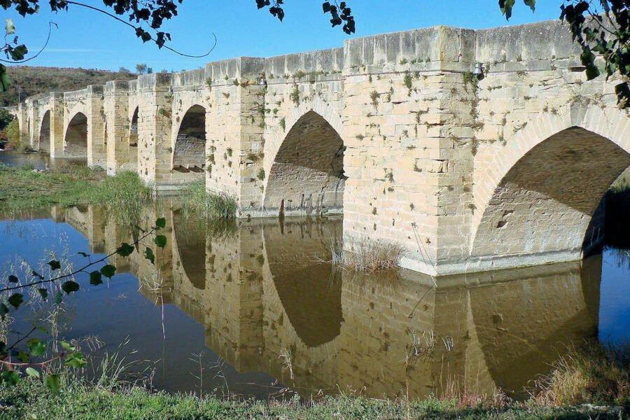 Puente Medieval de San Vicnete de la Sonsierra