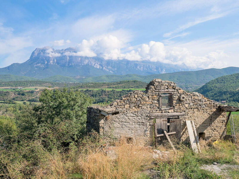 Ruinas cercas del casco antiguo de Aínsa