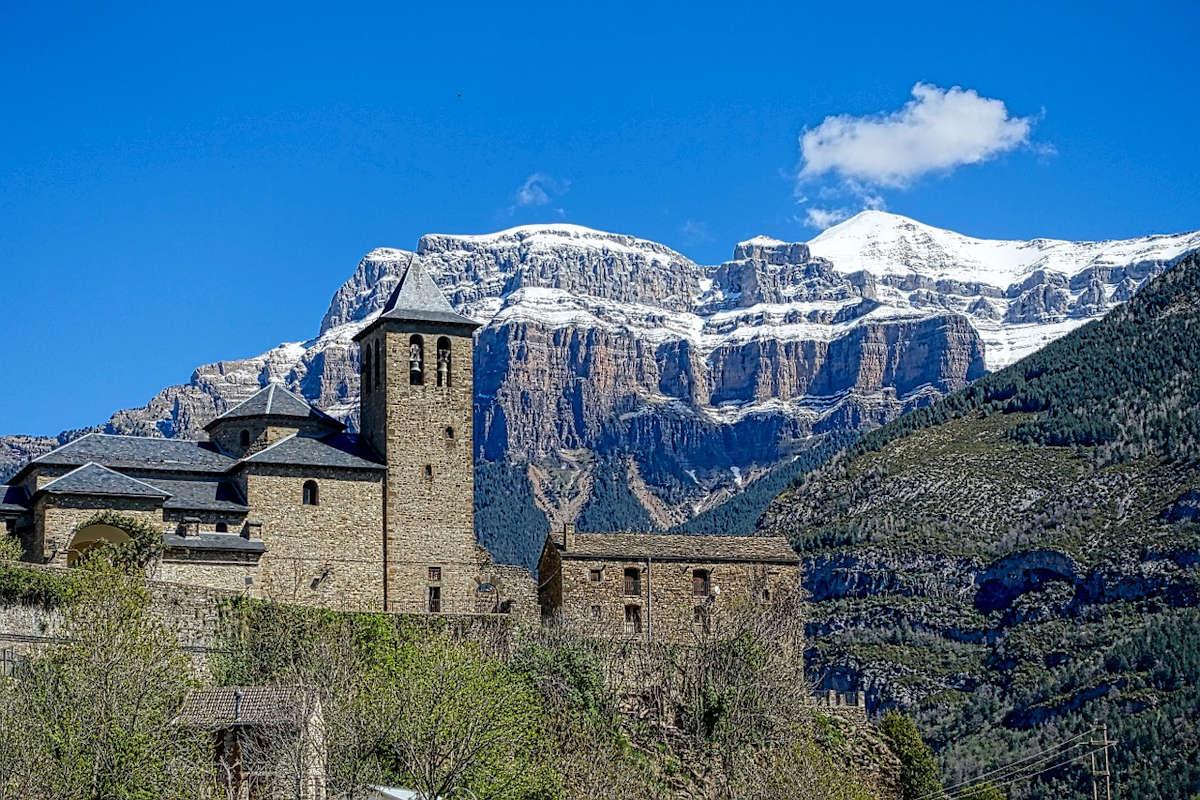TORLA-Pueblo de Huesca