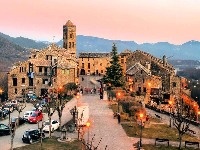 Visitar Aínsa en Huesca