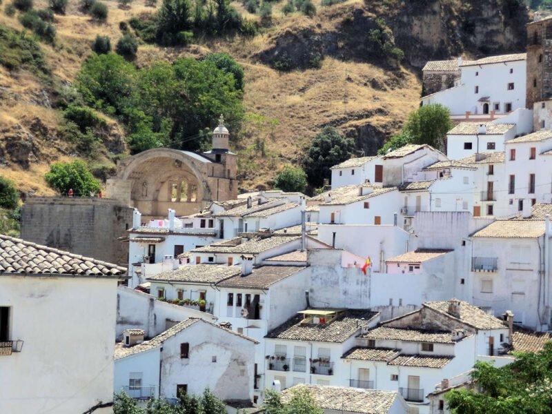 Visitar el blanco pueblo de Cazorla