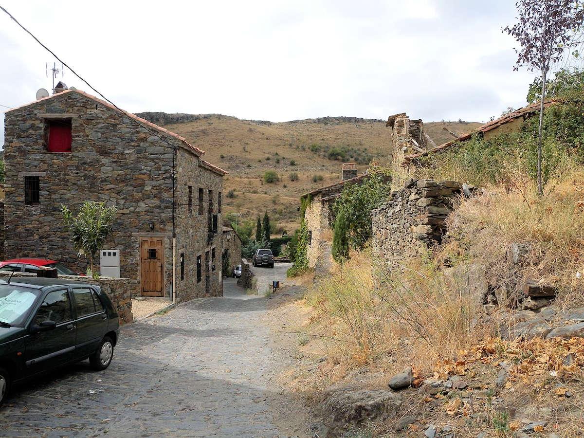 calles-de-patones-de-arriba-un-pueblo-de-madrid