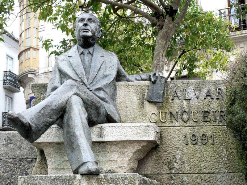 Monumento Álvaro Cunqueiro