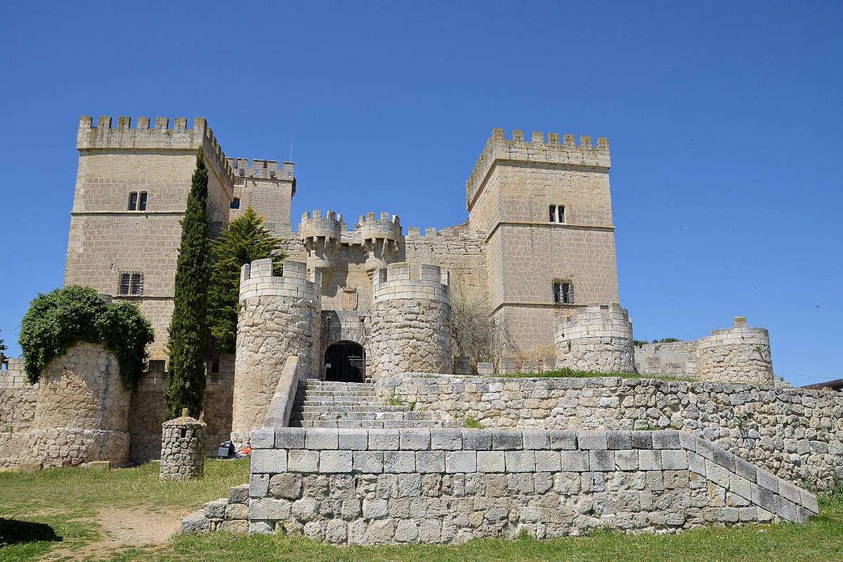Castillo-de-Ampudia-Palencia
