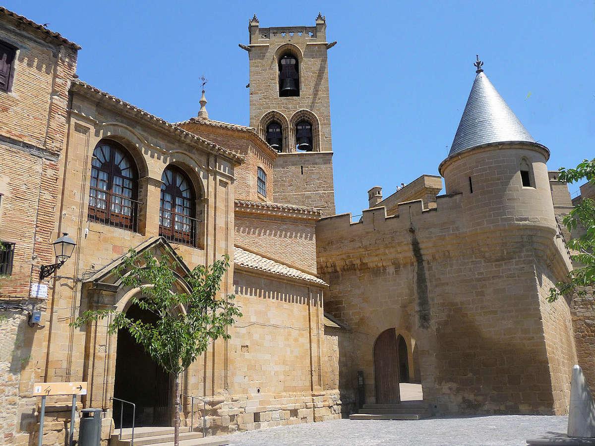 Pozo-de-hielo-castillo-de-Olite-en-Navarra