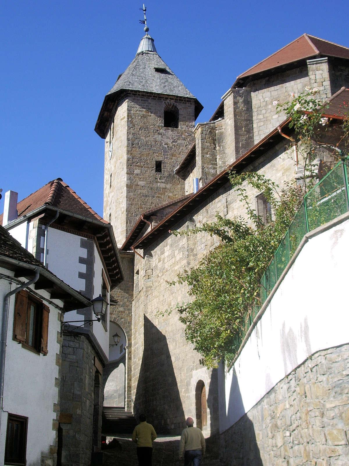 Iglesia-de-San-Juan-Evangelista-Ochagavía-Navarra