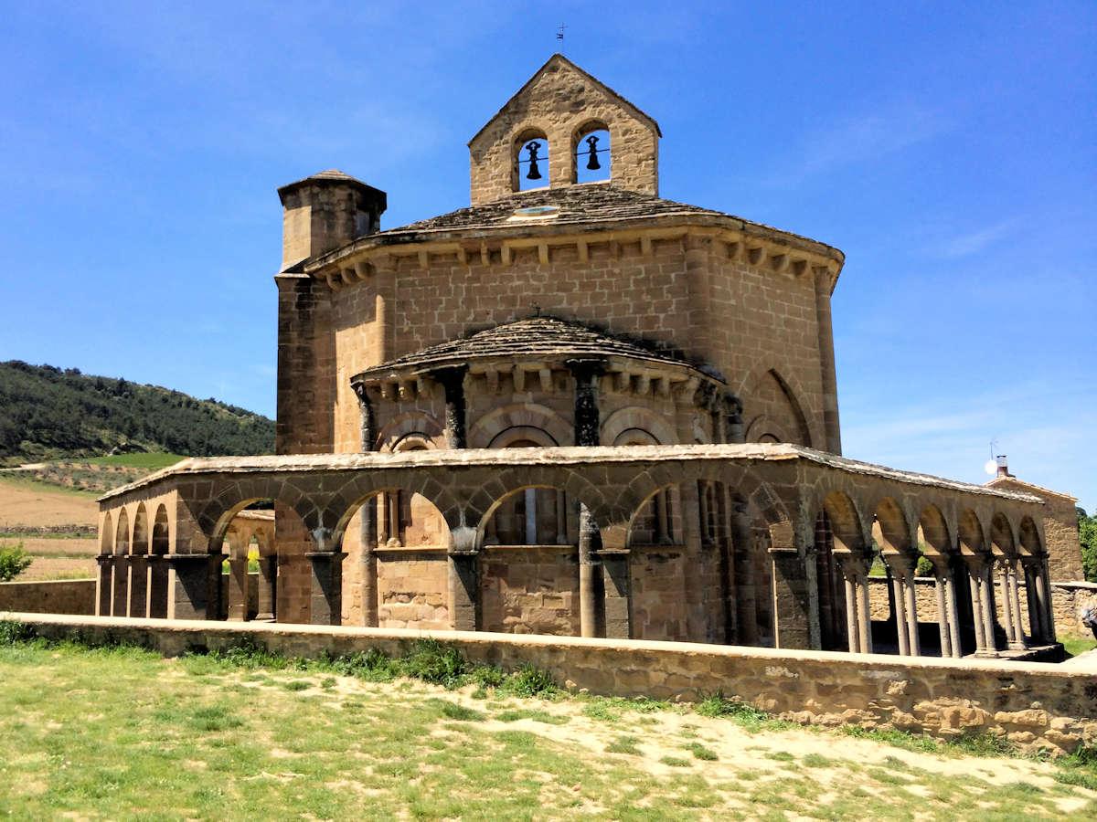 iglesia-del-crucifijo-navarra-puente-la-reina
