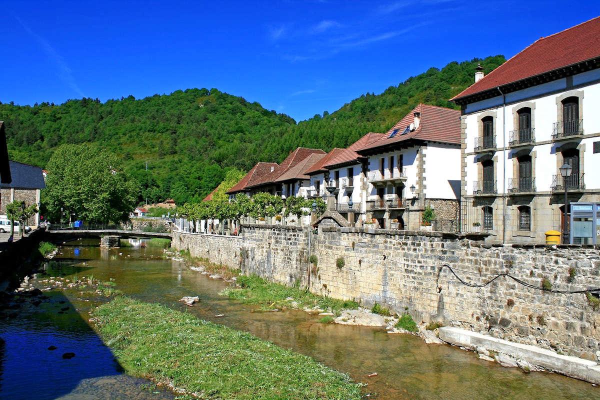 OCHAGAVÍA-Pueblos más bonitos de Navarra