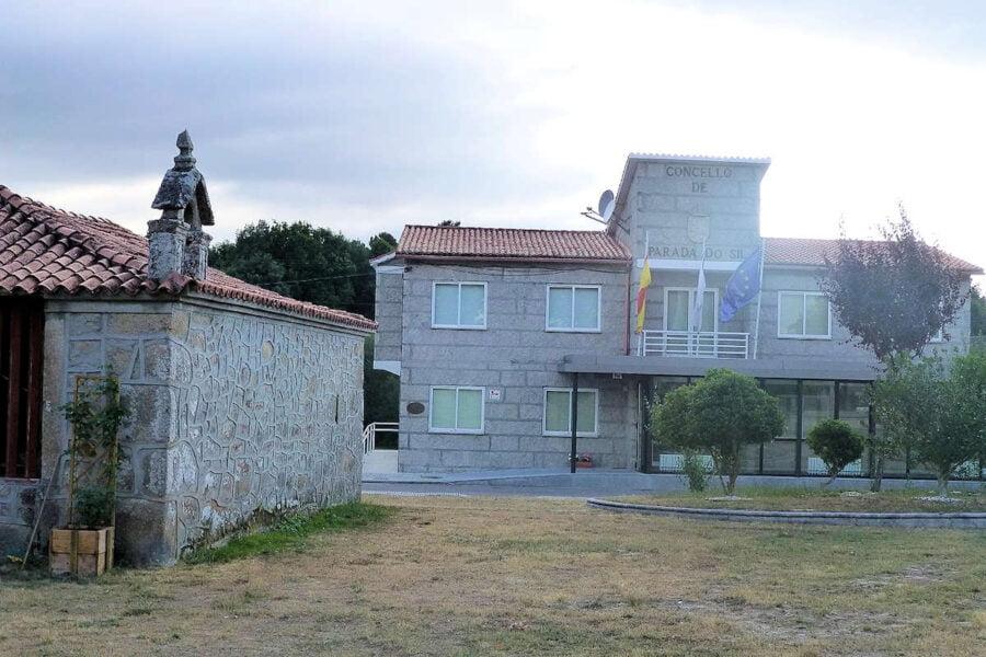 Casa Consistorial en Parada de Sil