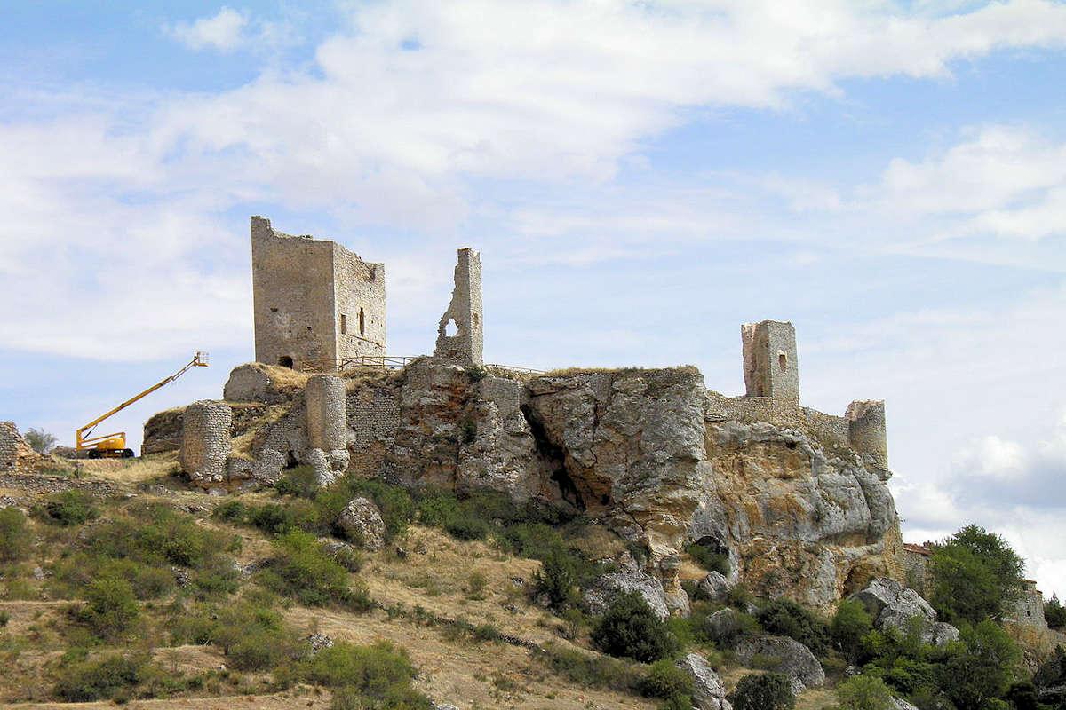 castillo-torre-homenaje-en-calatañazor-soria