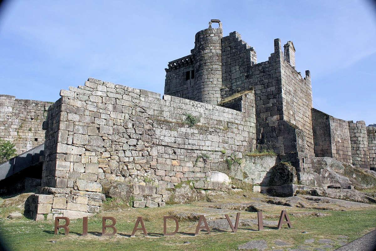 Castillo-de-los-Condes-de-Rivadabia-Orense-