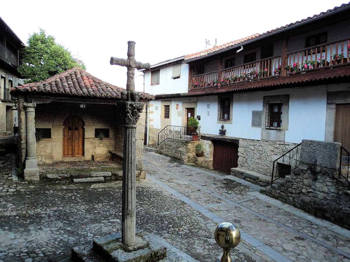 Ermita-del-Humilladero-entrada-pueblo-de-Mogarraz