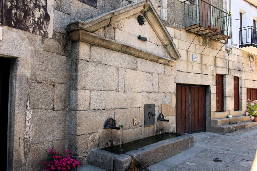 Fuente de Mogarraz