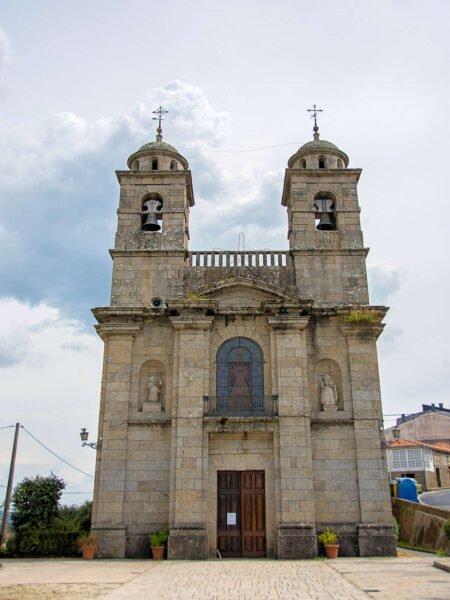 Iglesia de nuestra señora de los remedios de Castro Caldelas
