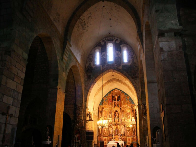 Interior Monasterio de Oia