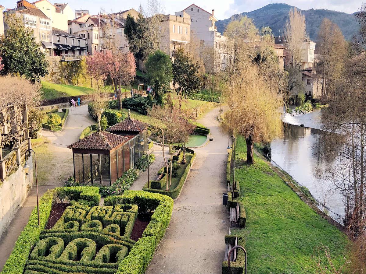 jardines-de-allariz-pueblo-de-orense-
