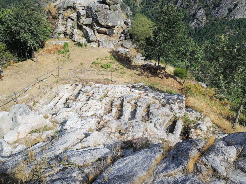 Necrópolis rupestre de San Vitor de Barxacova