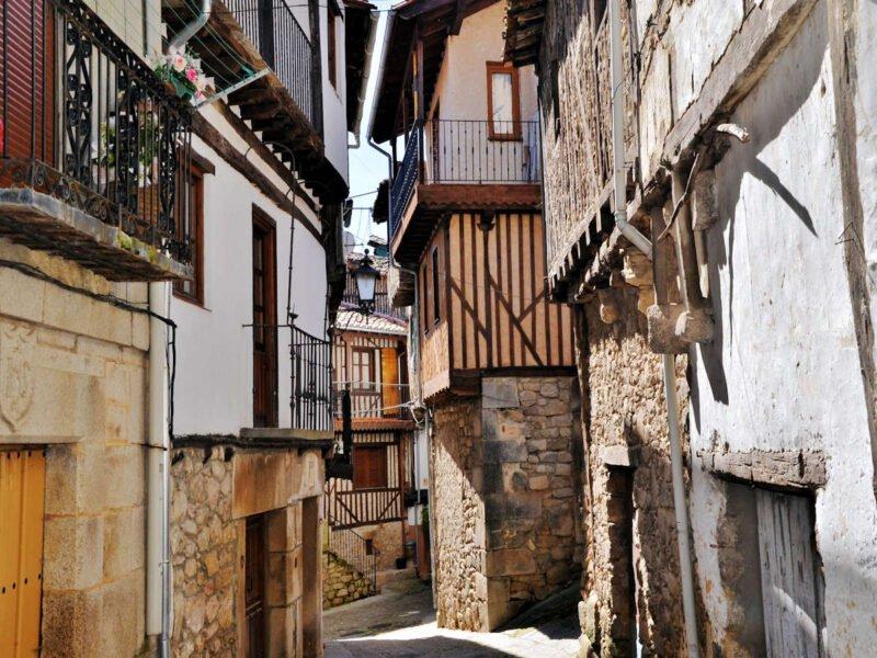 Visita Mogarraz en Salamanca