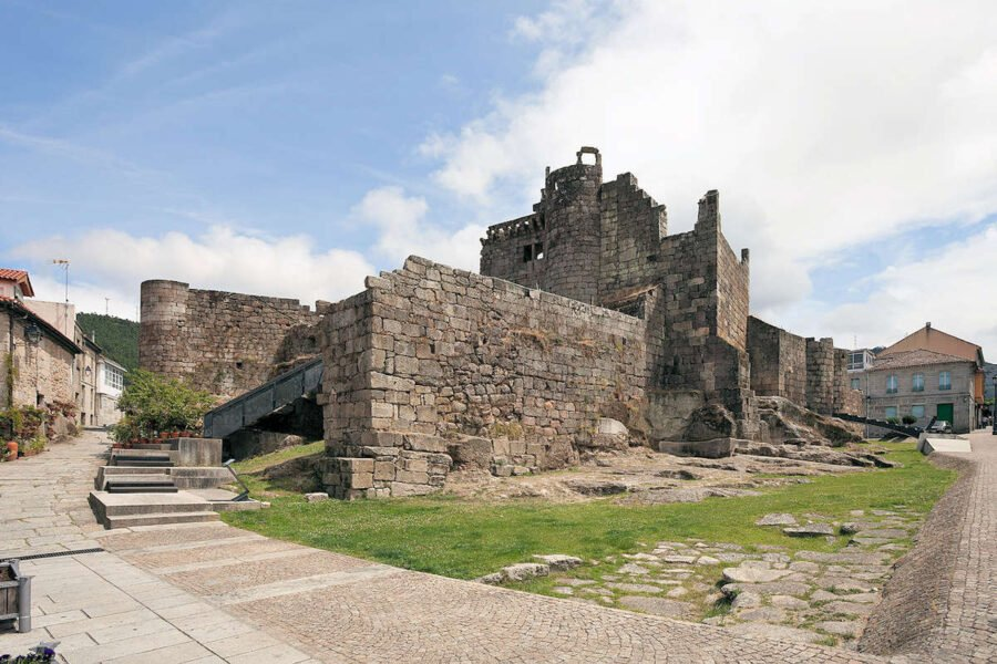Visita el Castillo de Ribadavia