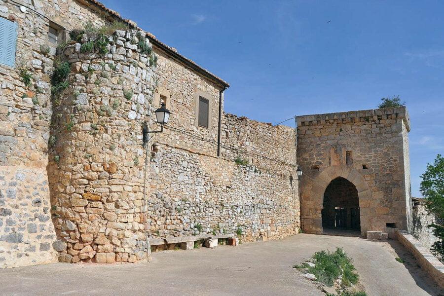 Muralla del Castillo de Rello