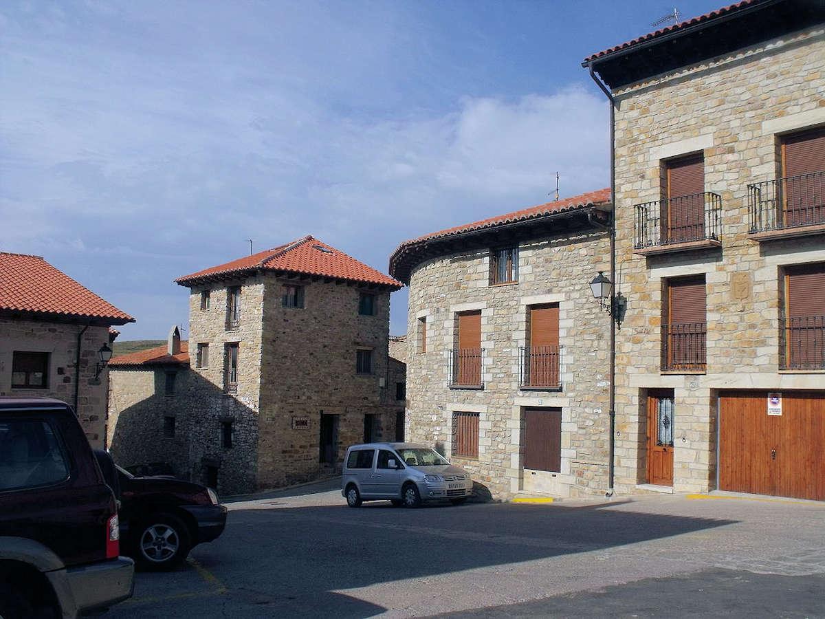 casa-del-ayuntamiento-puertomingalvo-teruel
