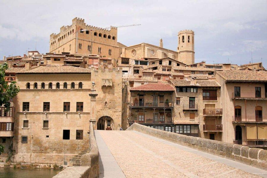 Visita Valderrobres en Teruel