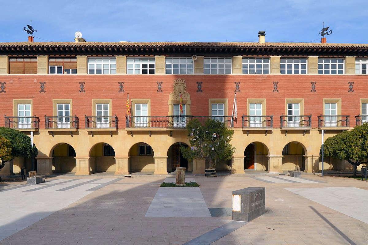 pueblo-de-belchite-plaza-del-ayuntamiento