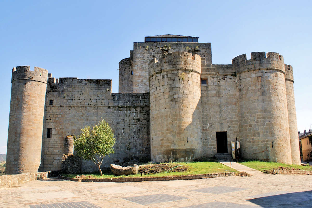 castillo-de-los-condes-de-benavente-puebla-de-sanabria