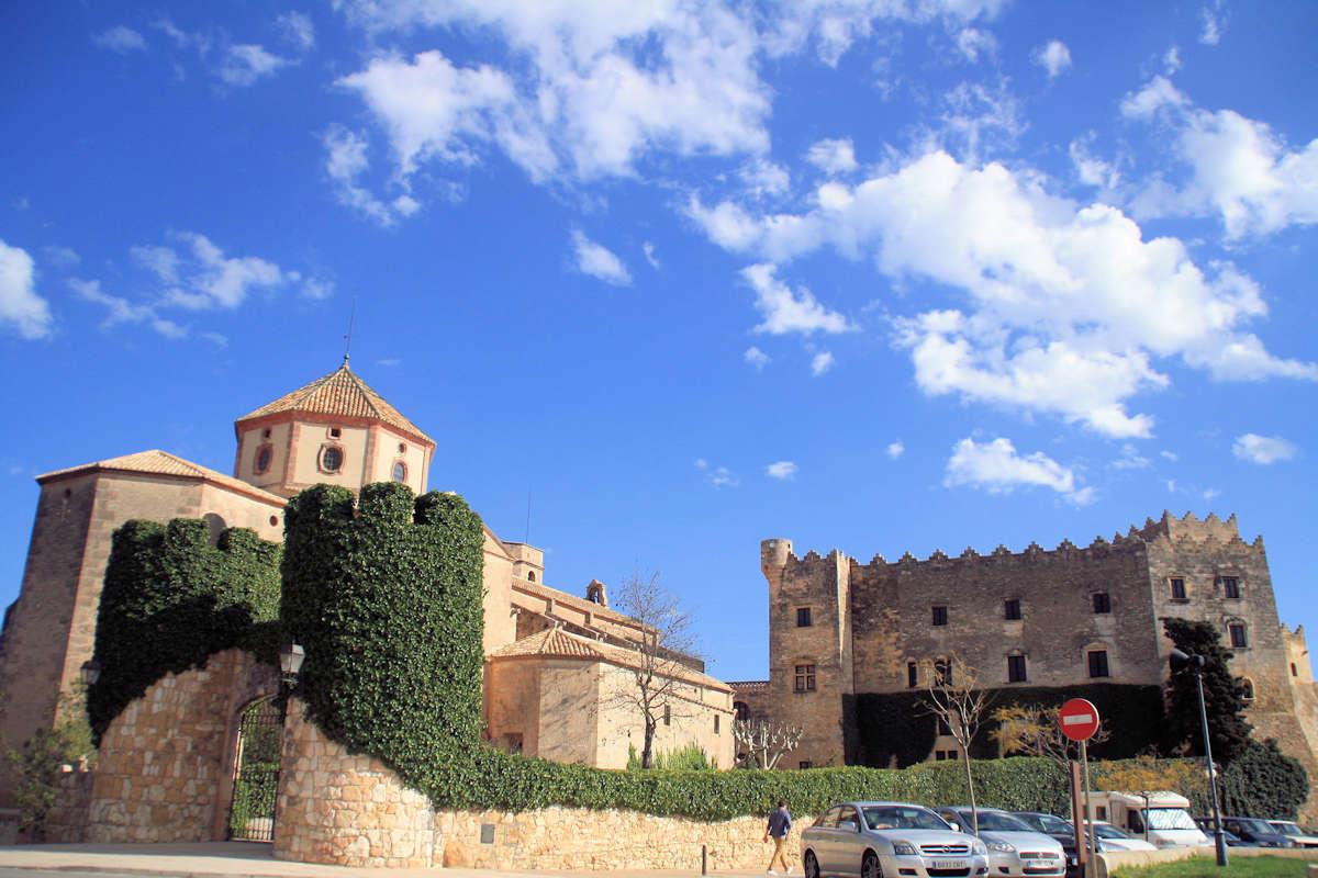 castillo-de-los-monserrat-igelsia-sant-marti-altafulla-tarragona
