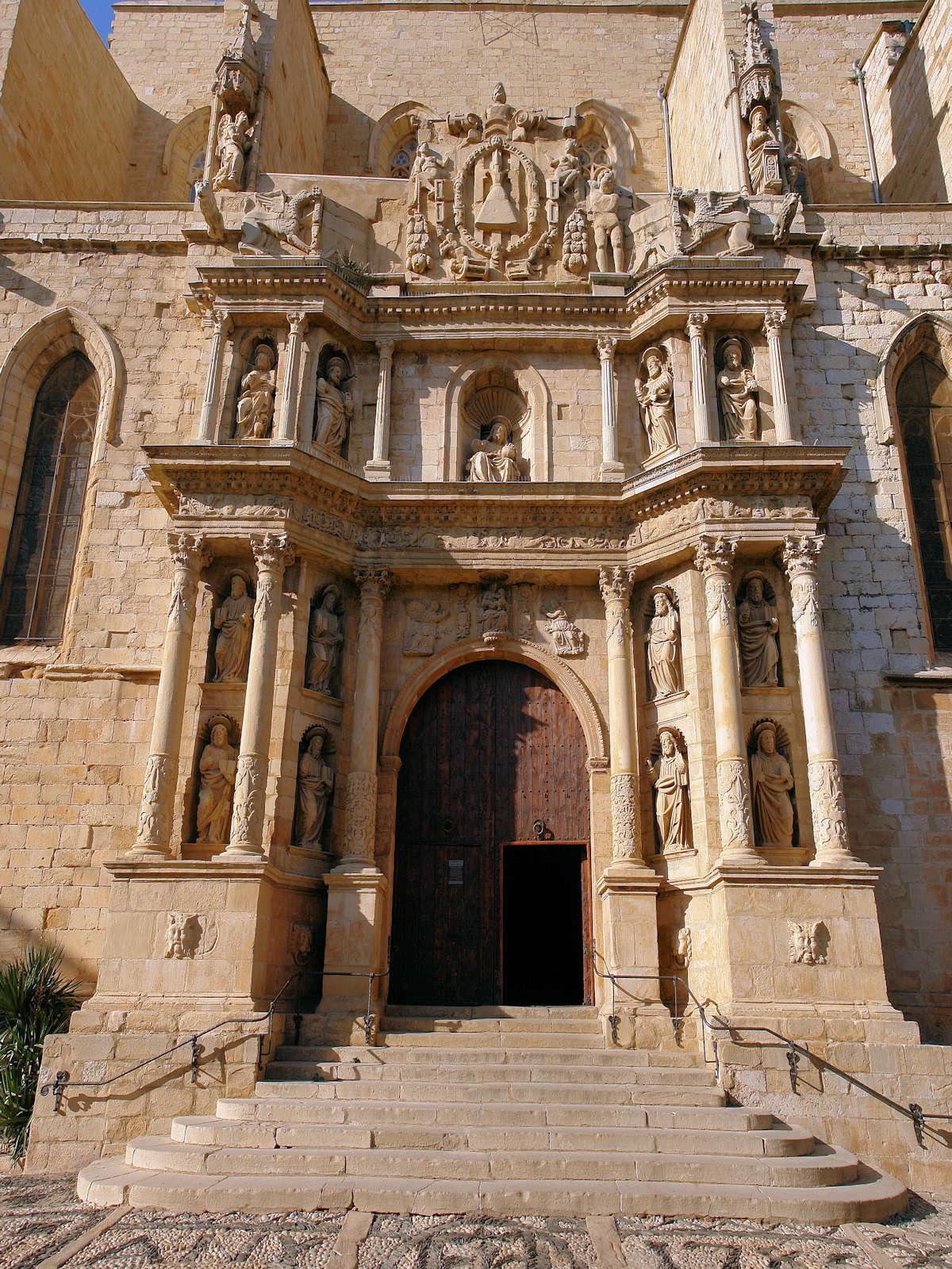 Iglesia-de-Santa-Mara-La-Mayor-Montblanc-Tarragona-