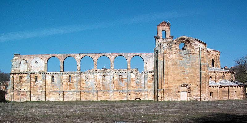 Monasterio de Moreruela desde fuera