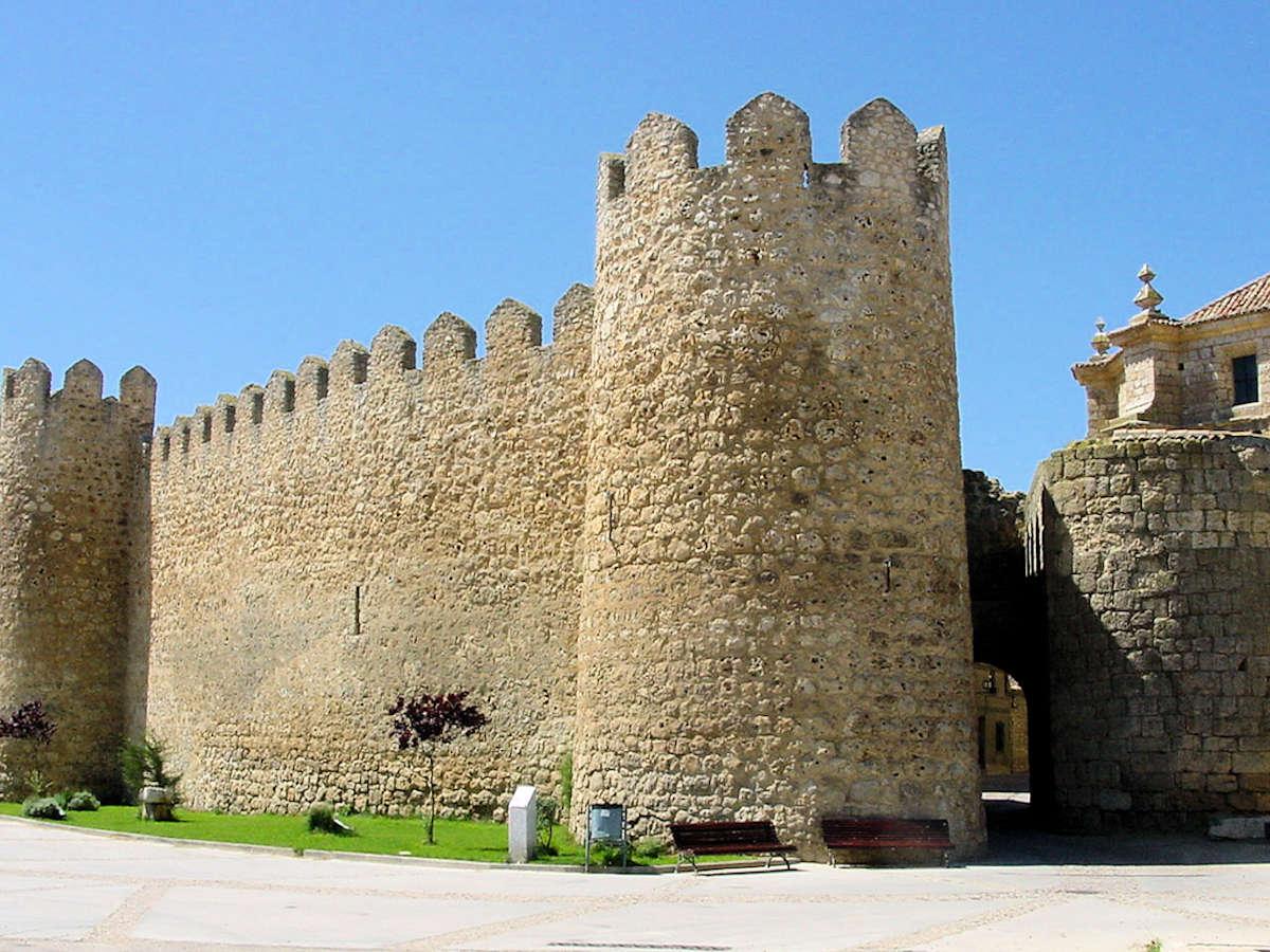 Puerta-de-la-Villa-Urueña-Valladolid