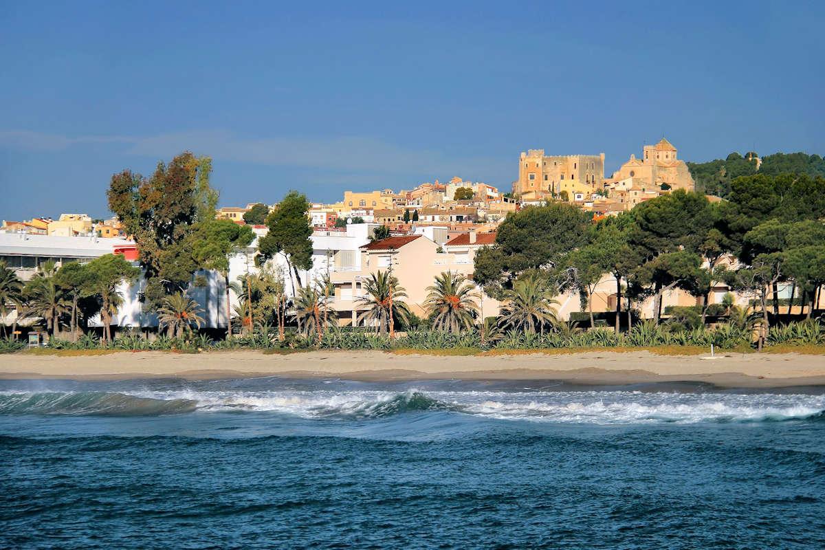 Carrer-Botigues-de-Mar-Altafulla-Tarragona