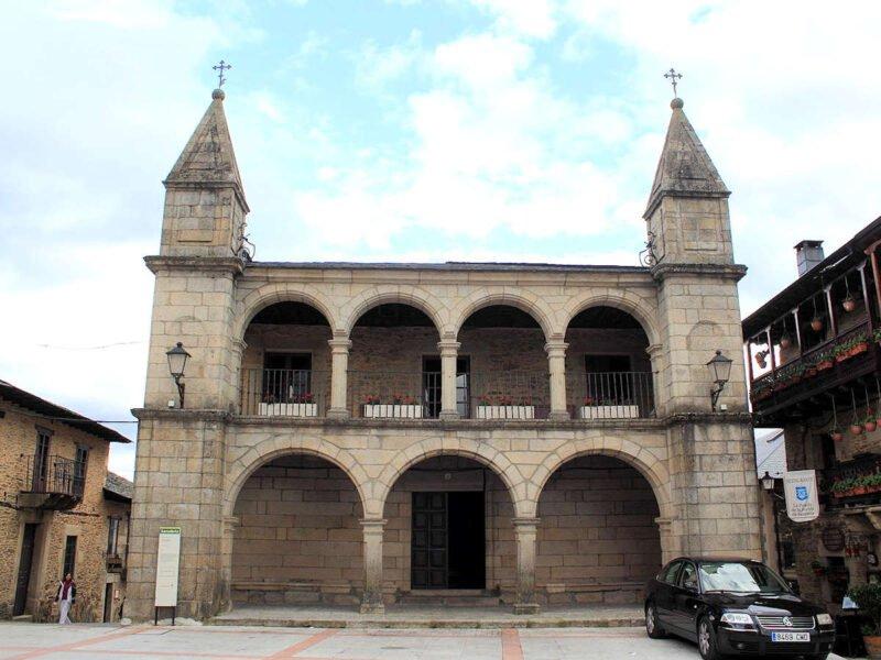 Plaza del Ayuntamiento en Puebla de Sanabria