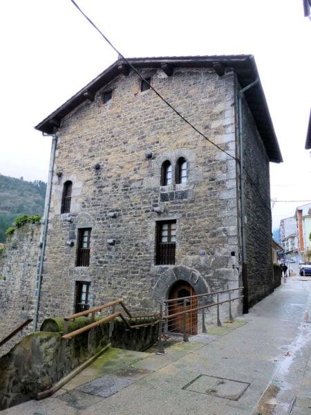 Torre de Likona