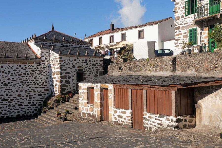 Entrada de Santo Andrés de Teixido