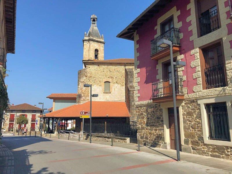 Iglesia San Bartolomé en Areatza