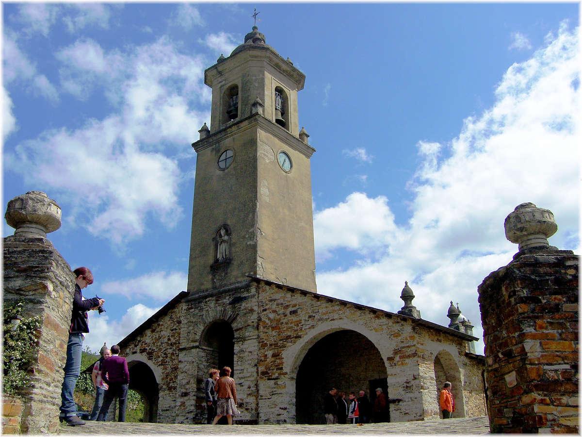Iglesia-de-San-Martín-Taramundi-Asturias