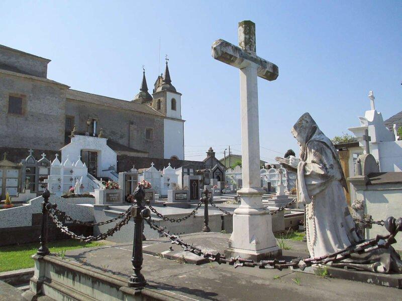Iglesia de Santa Marina en Puerto de Vega