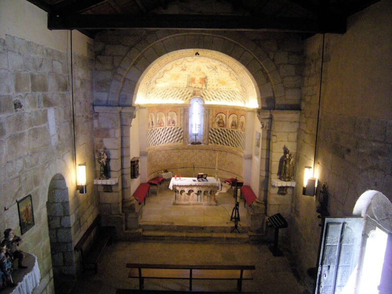 Interior de la Iglesia de Santa María de Melide