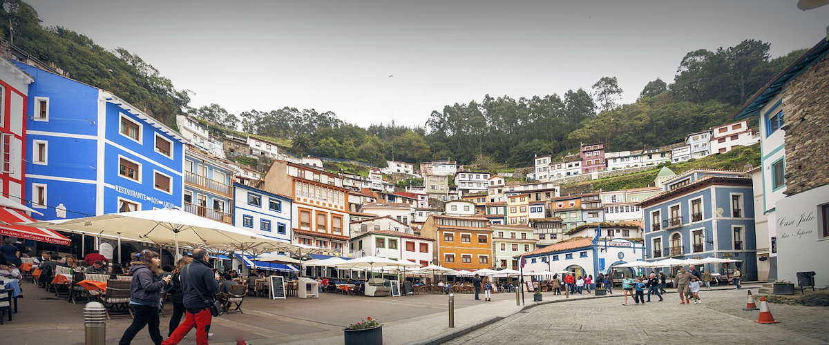 plaza-de-la-marina-cudillero-asturias.