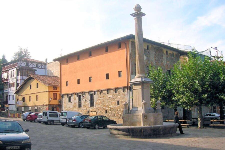 Plaza del Azka