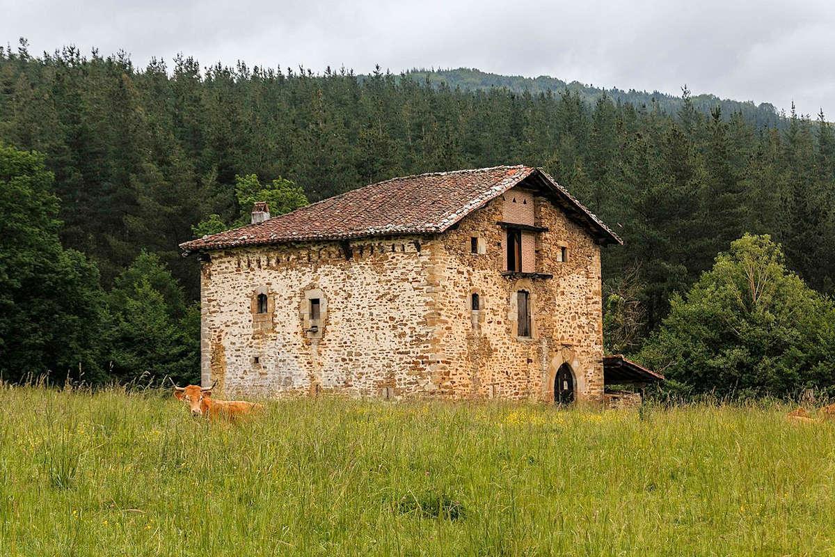 Mariaka-torre-entorno-rural-de-amurrio-álava
